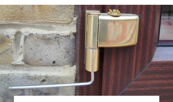 Adjusting double glazed doors